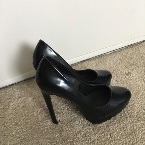 Zara black pump heels